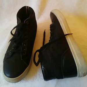 7420fe73b1acc4 Levi s black leather fabric sneakers-sz ...